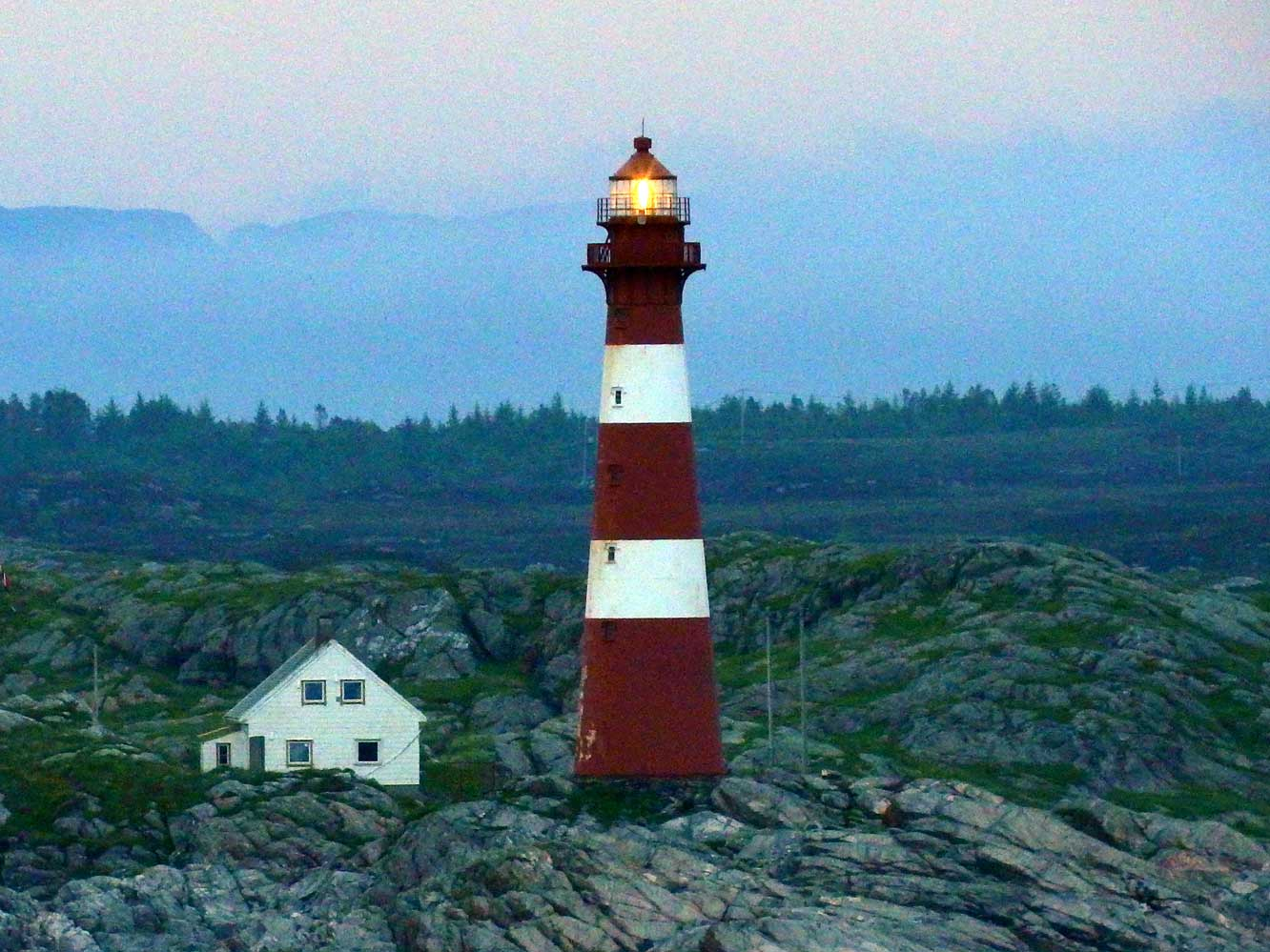 Lighthouses Of Norway Bergen Area - Discontinued lighthouse border