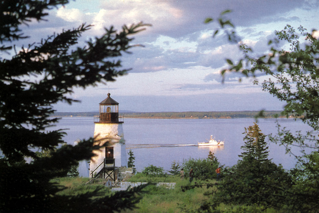 Lighthouses Of The US Eastern Maine - Discontinued lighthouse border